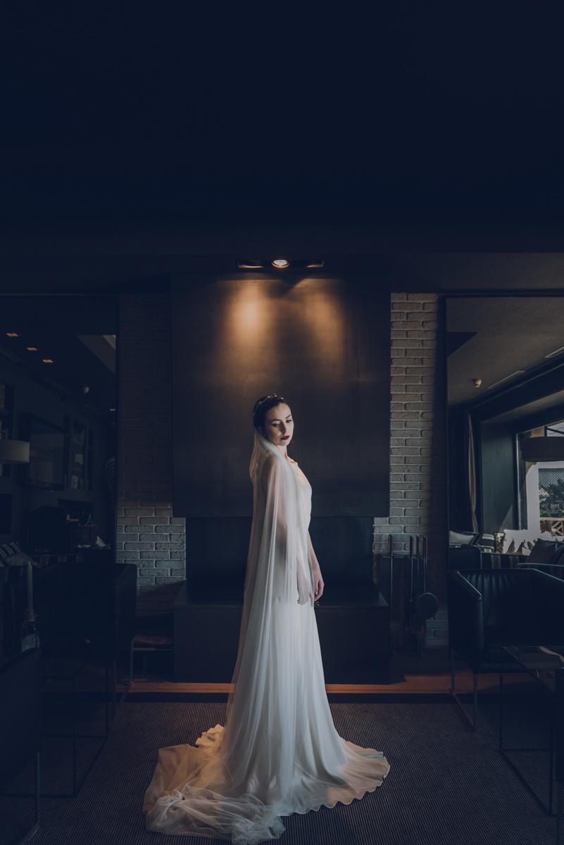 novia en el hotel embarcadero vestida de Carmen soto