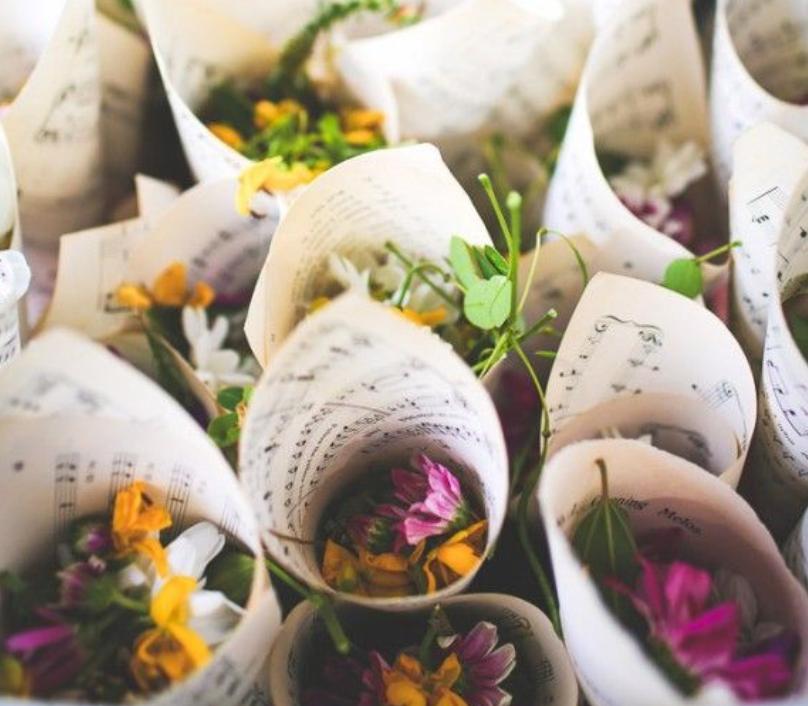 Confeti de flores naturales