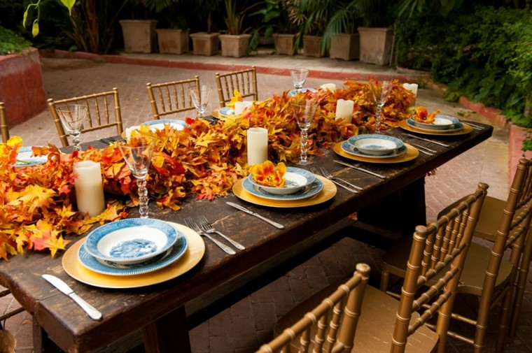 camino de mesa de hojas secas