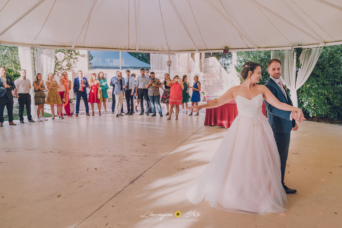 perimer baile de pareja novia de rosa