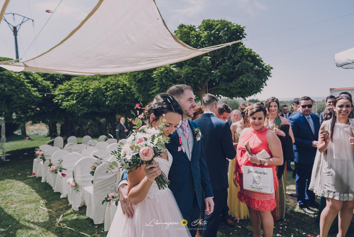 momento del arroz al finalizar una boda