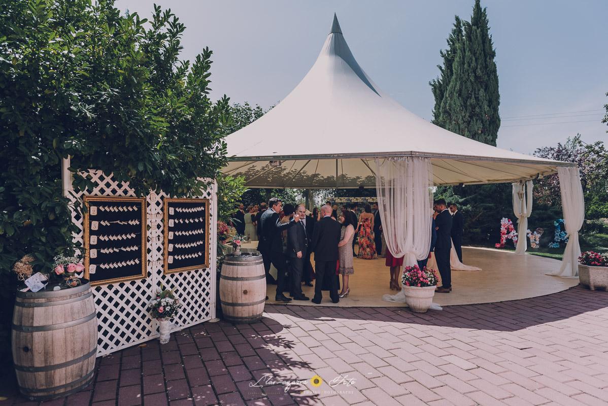 ceremonia civil decoración en la boda con carpa al aire libre