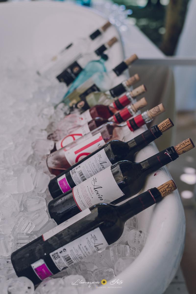 bañera con botellas de vino