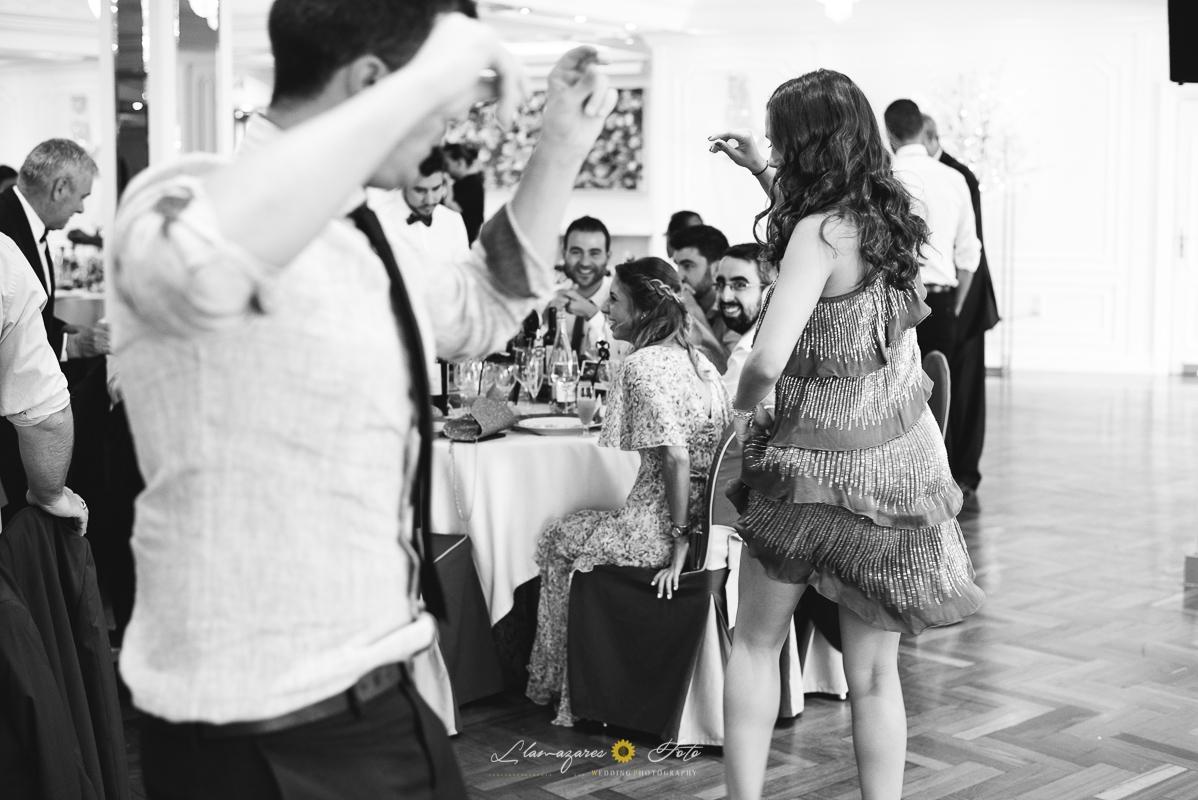 bailando una jota en una boda en Aranda de Duero