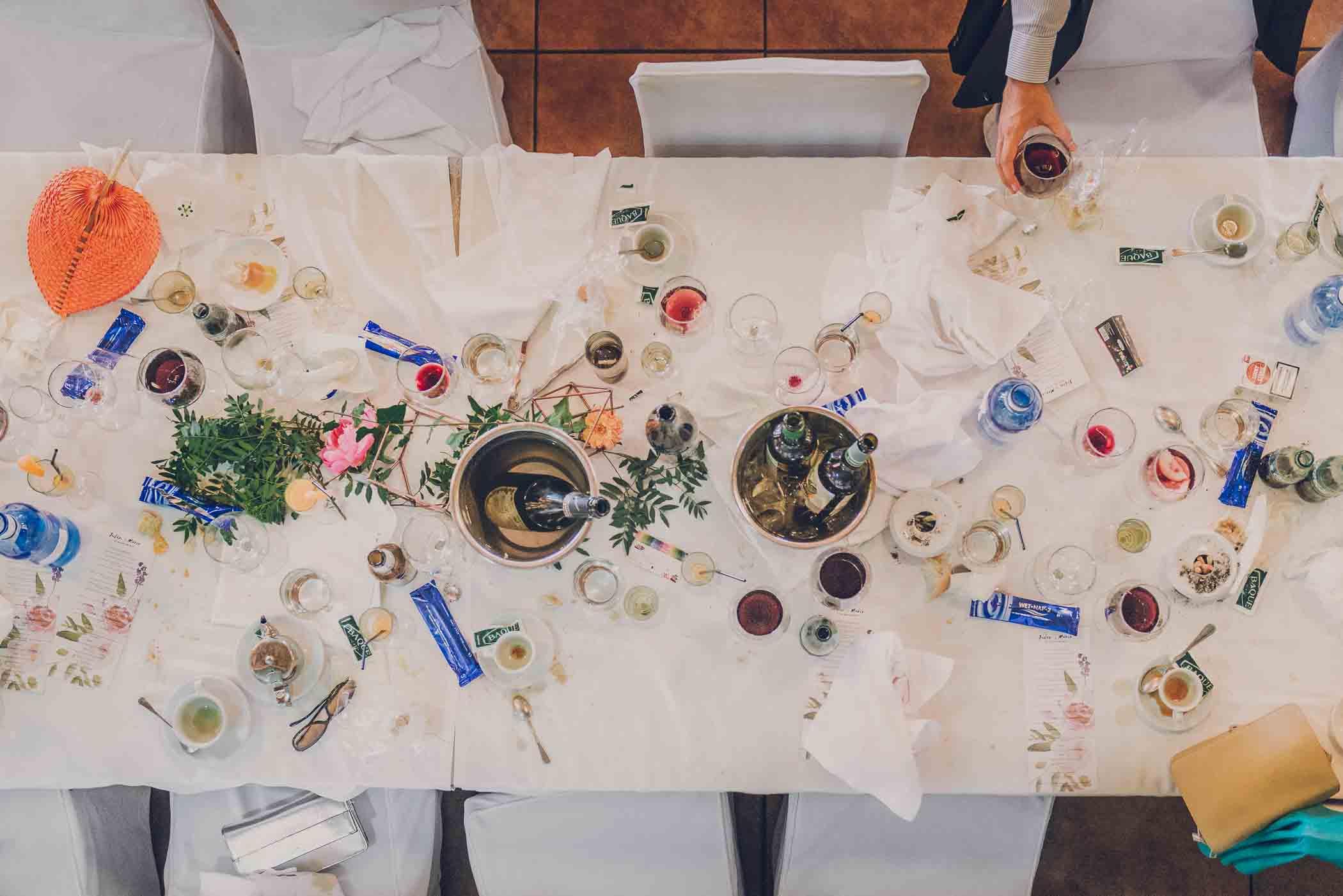 comedor de una boda millennial